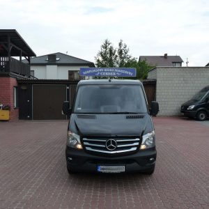 czarny Mercedes Benz Sprinter Bautex
